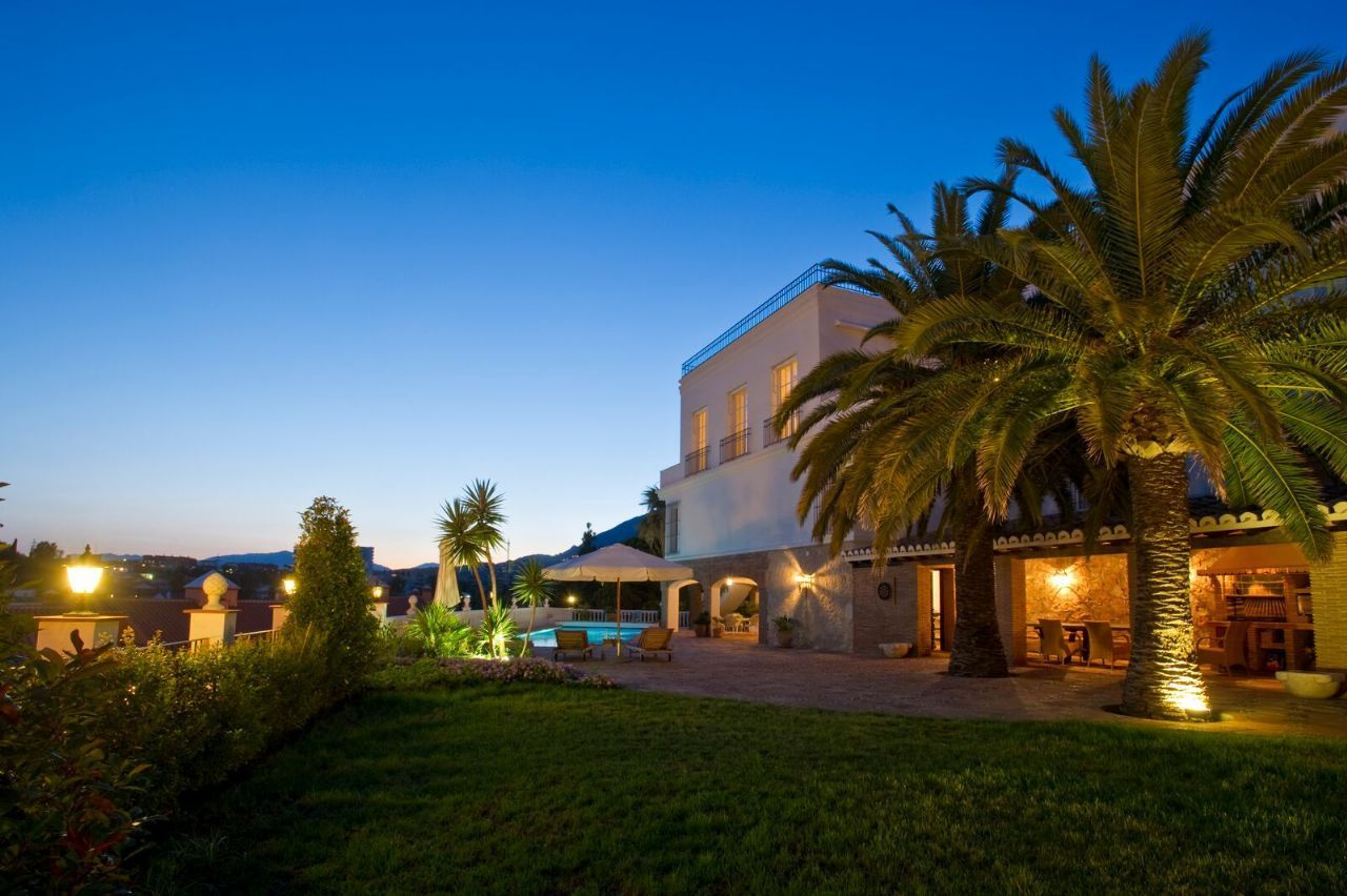 Luxury villa for sale in Fuengirola, Malaga, Costa del Sol