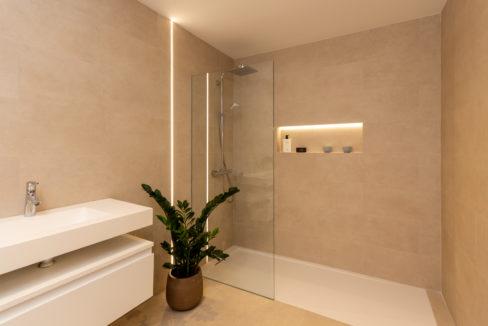 bathroom-properties-for-sale-fuengirola-centre