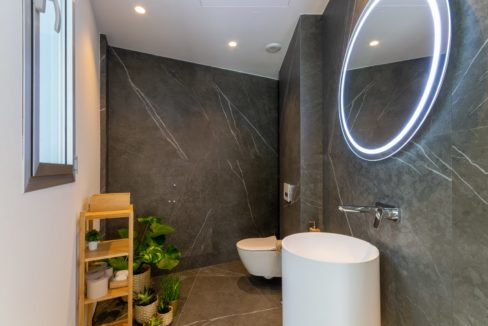 design-bathroom-in-luxury-house-for-sale-in-mijas-costa