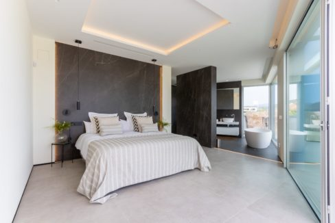 design-bedroom-with-in-suite-bathroom-in-house-for-sale-mijas-costa