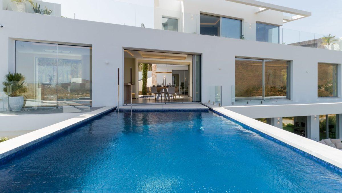 swimming-pool-luxury-house-in-mijas-costa
