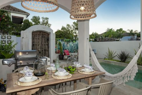 barbecue-in-luxuy-house-for-rent-in-marbella
