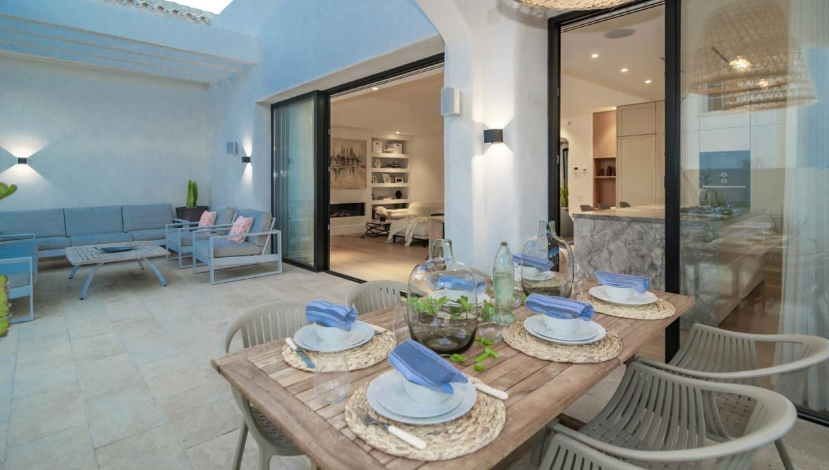 chill-out-area-luxury-house-for-rent-marbella