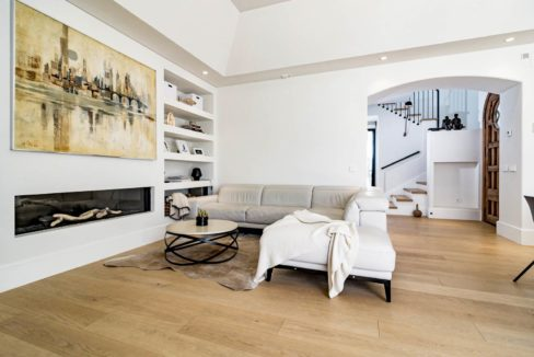 living-room-in-luxury-house-for-rent-marbella
