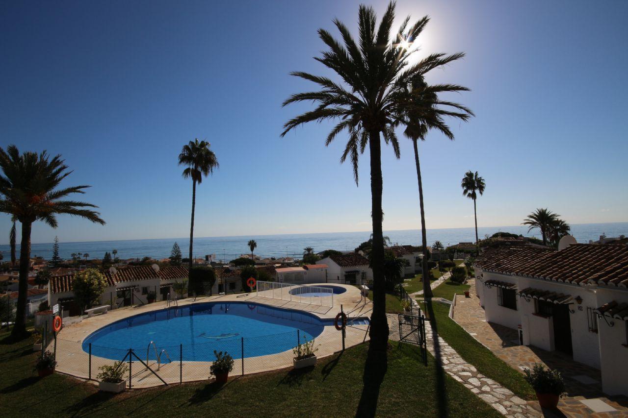 Apartment with sea views in La Cala de Mijas