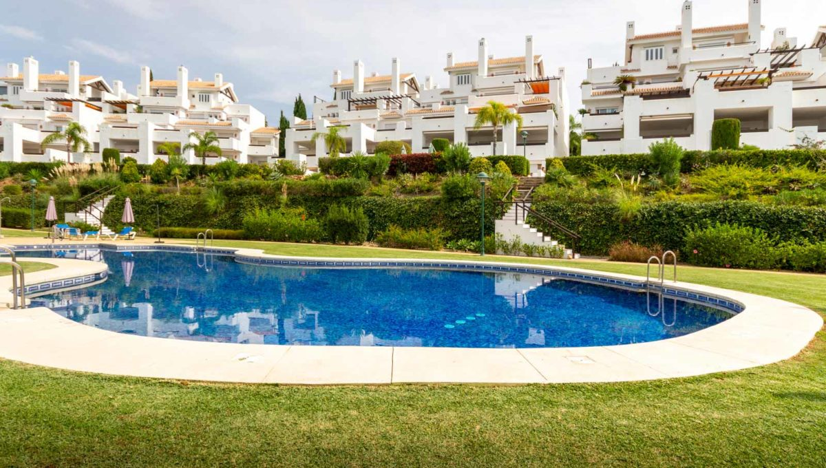 edificio-monteros-vista-piscina-comunitaria-marbella-2081