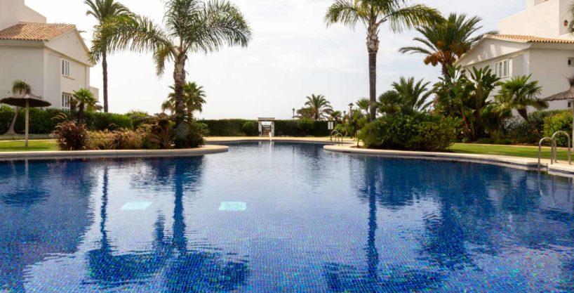 community-pool-monteros-marbella