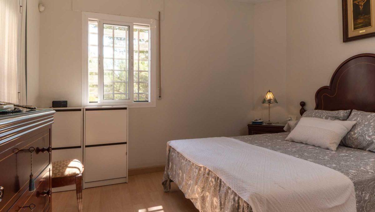 dormitorio-piso-cerrado-calderon-2117