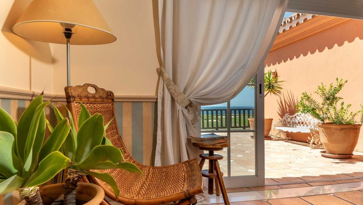 salida-terraza-villa-lujo-venta-guadalmina-marbella-2116