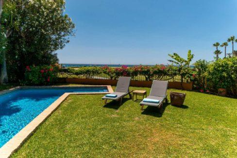 jardin-piscina-villa-lujo-venta-guadalmina-marbella-2116
