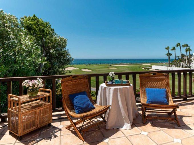 terraza-vista-mar-villa-lujo-guadalmina-marbella